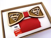 MUSZKA MĘSKA drewniana SUPERMAN czerwona 1