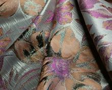 Żakard wizytowy w kolorowe kwiaty (błyszczące tło)
