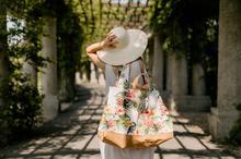 wielka torba na wakacje w motywy tropikalne