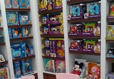 Zabawki, artykuły szkolne, gry
