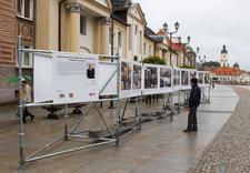 Realizacja wystaw - zewnętrzny system wystawienniczy, profile rurowe - Podlaskie 25 lat wolności