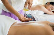 Tajski masaż olejkami
