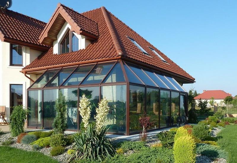 Producent fasad, okien, drzwi, okładzin elewacyjnych