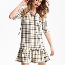 Sukienka w kratę-kremowa
