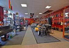 sklep muzyczny, instrumenty