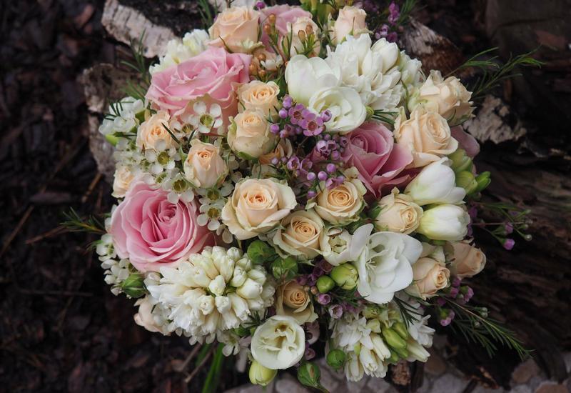 zabawa kwiatami - Szmaragdowy Ogród zdjęcie 2