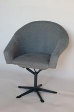 Fotel obrotowy szara jodełka, lata 70.