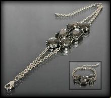 Bransoletka z łańcuszków i grafitowych kryształów