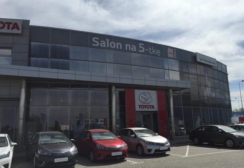 salony - Toyota Wałbrzych Nowakows... zdjęcie 3