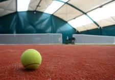 gra w tenisa - AKWEN - Korty Tenisowe zdjęcie 4